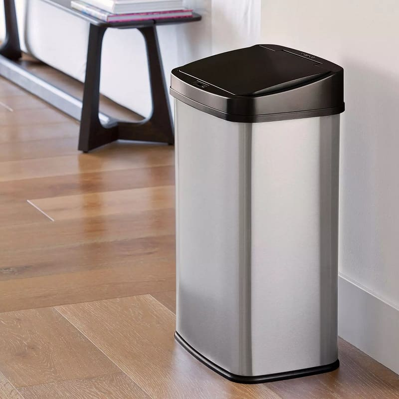 Best 13 Gallon Trash Cans, the lot dallas, nine stars